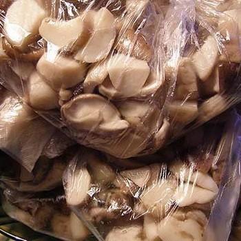 Можно ли замораживать грибы маслята сырыми на зиму?