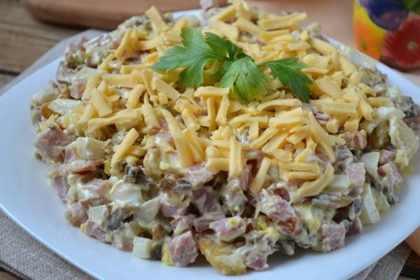 Какой салат можно сделать с грибами фото 949