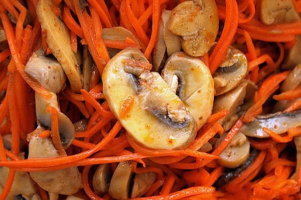 рецепты салатов из печени и маринованных грибов