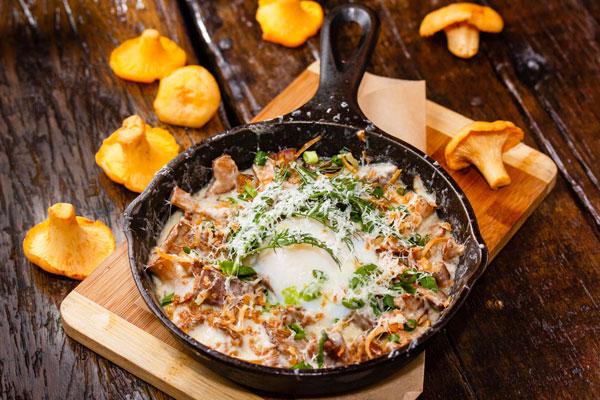 Рецепты грибных жульенов в обычных и картофельных кокотницах