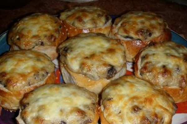 Рецепты домашних жульенов в булочках