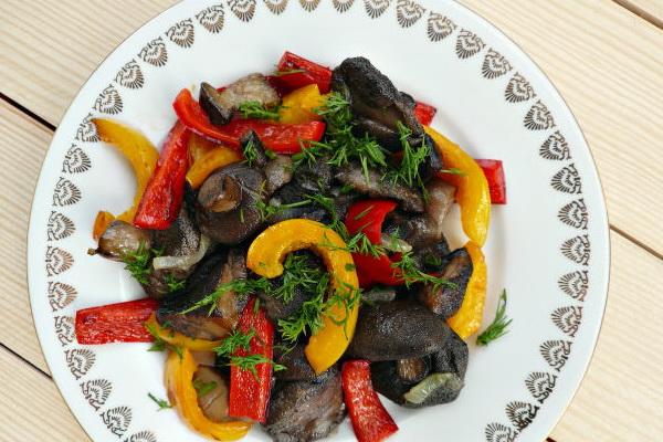 Салаты с маслятами: рецепты вкусных закусок