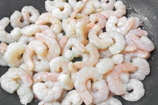 Креветки с шампиньонами: рецепты салатов, супов и вторых блюд