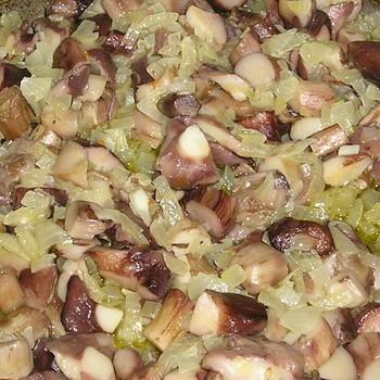 Жереные маслята с луком: простые рецепты