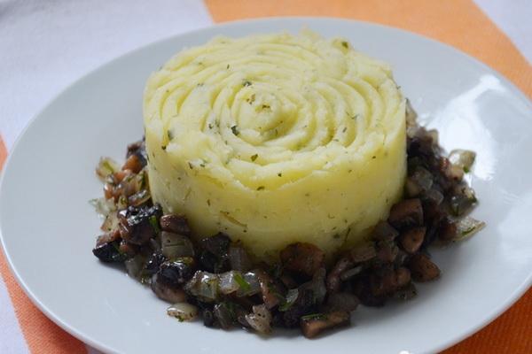 Жареные маслята в сметане: рецепты сытных блюд