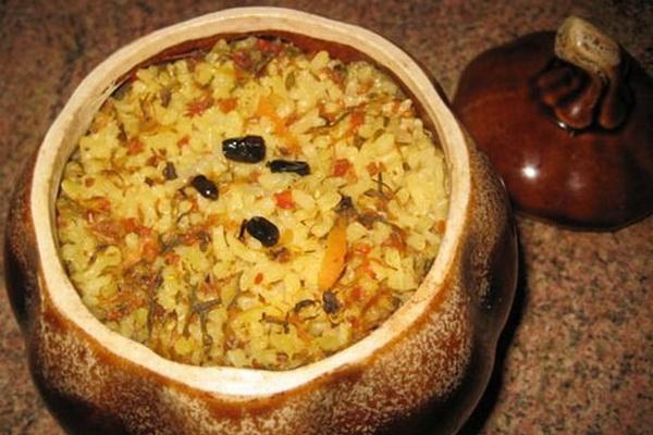 мясо в горшочках с рисом в духовке