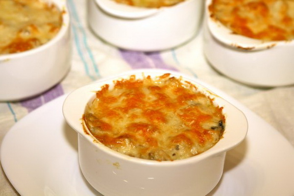 Жульены с мясом и грибами: рецепты сытных блюд