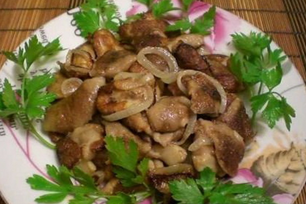 Вешенки с чесноком: рецепты жареных и маринованных блюд