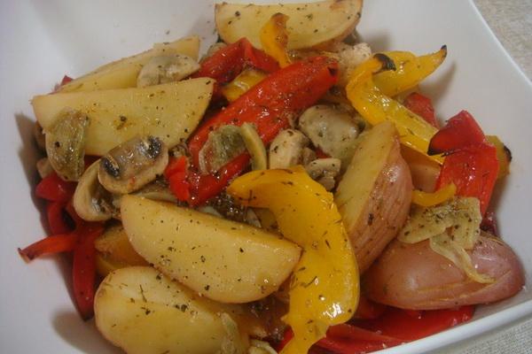 узбекское блюдо слоями с овощами мясо картошка капуста
