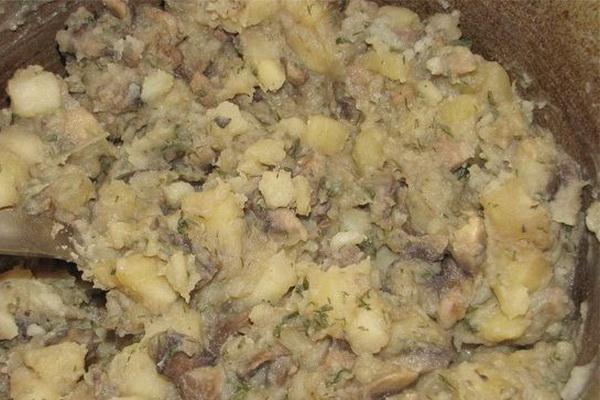 Как приготовить тушеную картошку с мясом свининой в мультиварке