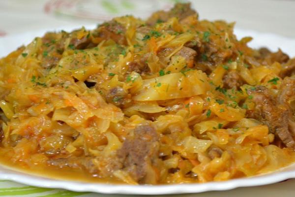 капуста тушеная с мясом и грибами и картошкой