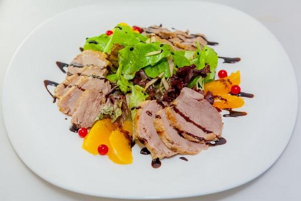 Салаты с вешенками: рецепты вкусных блюд