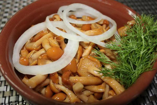 Опята, маринованные на зиму с семенами горчицы