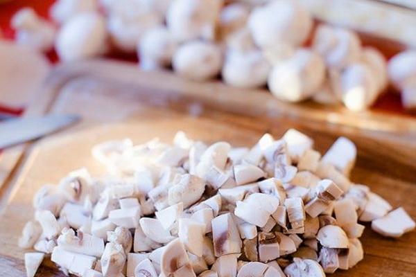 Как приготовить запеканку с мясом и грибами