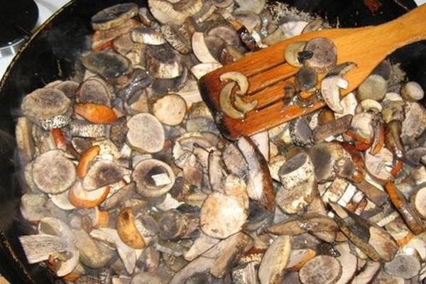 Домашние пироги с капустой и грибами