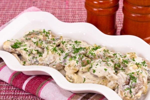 Блюда из соленых груздей: рецепты грибных закусок