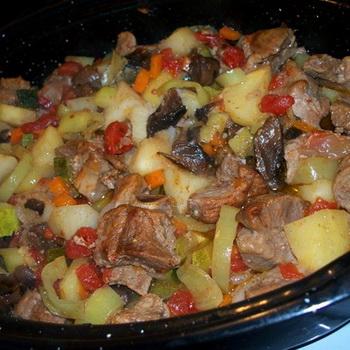 Рагу с грибами и мясом в духовке