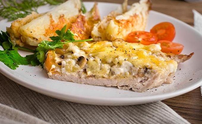 Рецепты, как приготовить мясо свинины с грибами