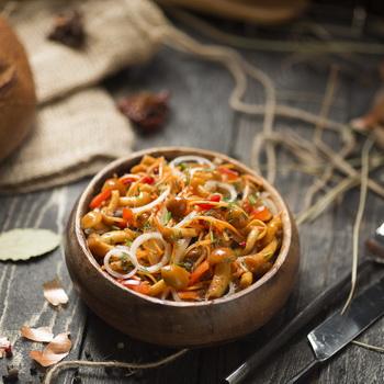 Опята с овощами: рецепты заготовок на зиму