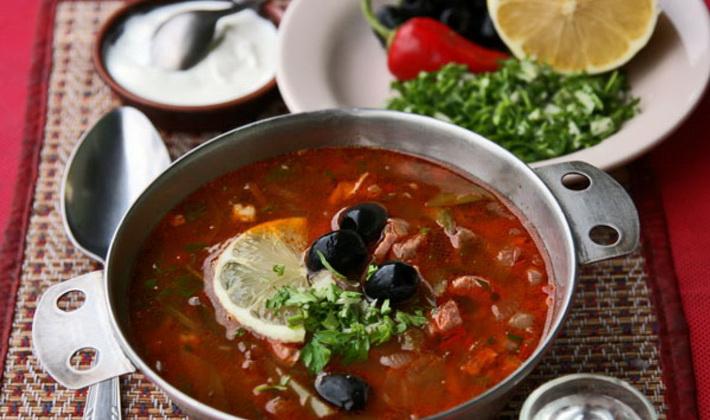 Как приготовить мясо с грибами: рецепты для мультиварки