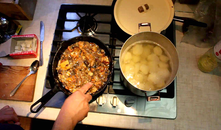 Картинки: Рецепт: Начинка для пирогов из грибов и кислой капусты Картинки