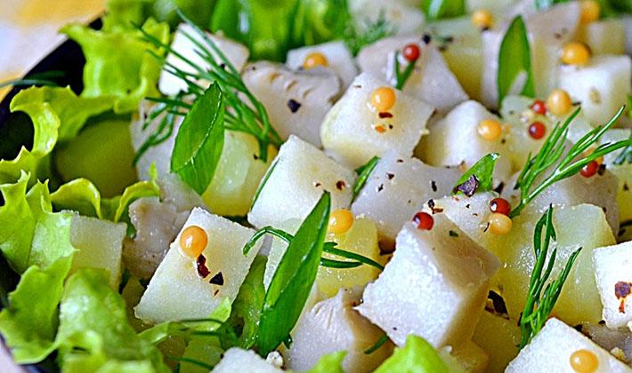 рецепты салатов с маринованными груздями