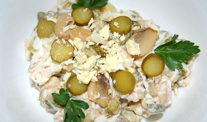 рецепт салата с языком маринованными опятами и листья салата