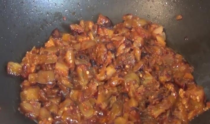 Как приготовить грибную икру из опят с помидорами