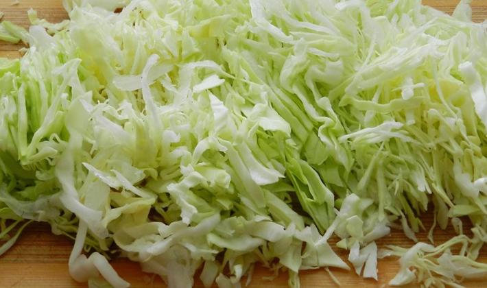 Щи с белыми грибами и капустой