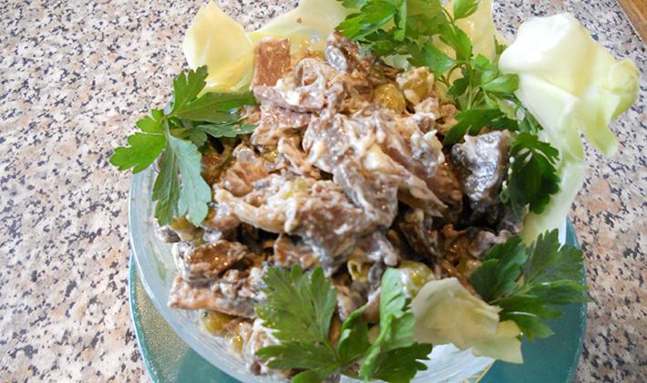 Салат консервированными белыми грибами