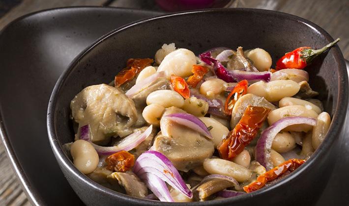 салат с белыми грибамиморковкой луком и чесноком рецепт