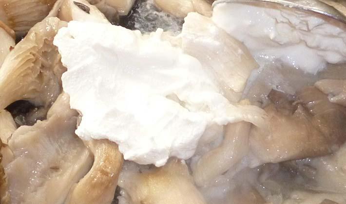 Жареные вешенки в сметане рецепт пошагово в