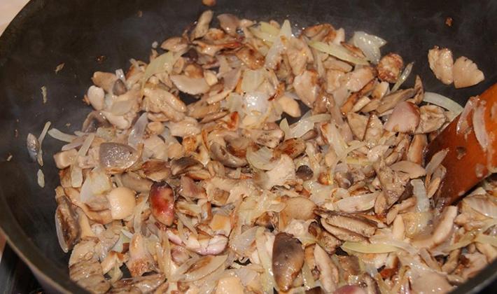 Как приготовить вкусную начинку для чебуреков