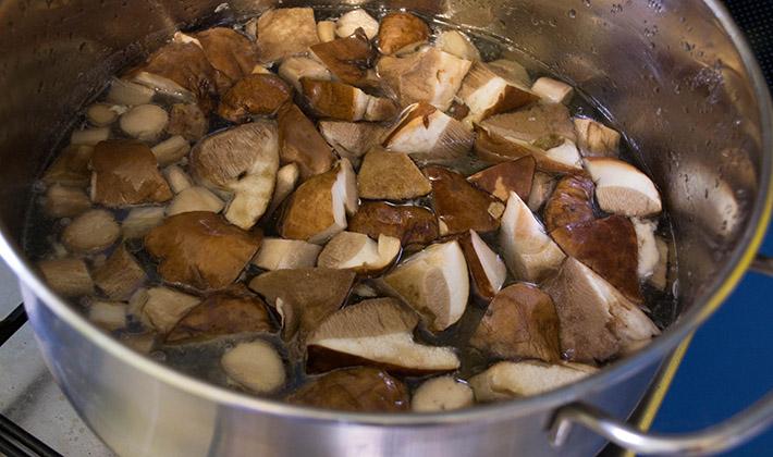 Простой рецепт маринованных подосиновиков