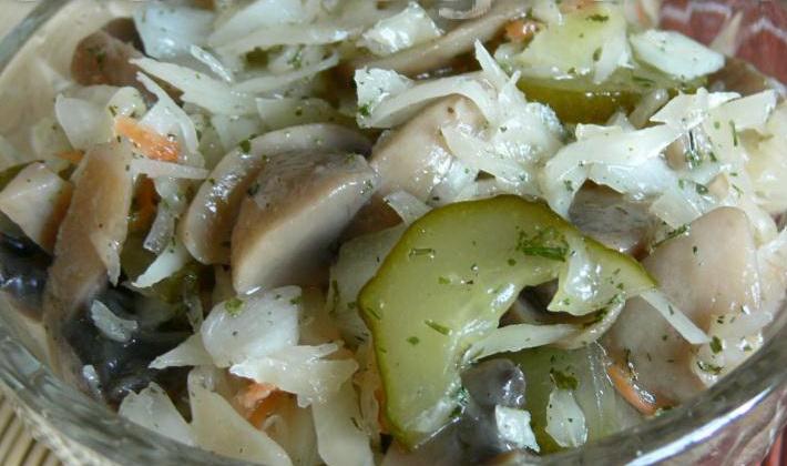 Соленые и квашеные грузди с капустой