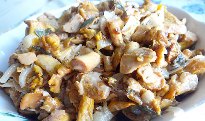 Лисички, жареные со сметаной: лучшие рецепты