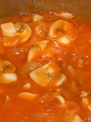 Рыжики в томате на зиму: рецепты домашних заготовок