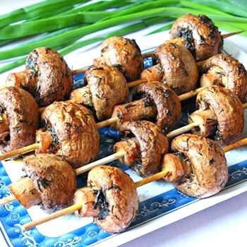 Шампиньоны, жареные на костре: рецепты для пикника