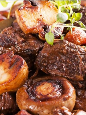 Мясо с рыжиками: рецепты сытных блюд