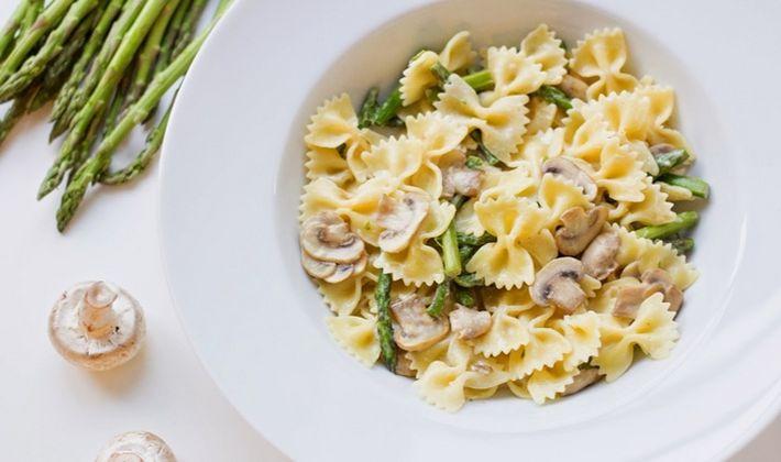 Макароны с грибами в сливочном соусе: рецепты сытных блюд