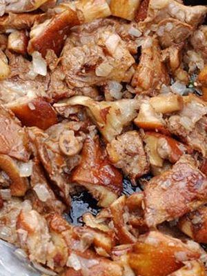 Курица с рыжиками в духовке и на сковороде