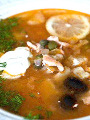 Грибная солянка из рыжиков с овощами