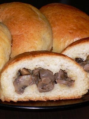 Жареные и печеные пирожки с рыжиками