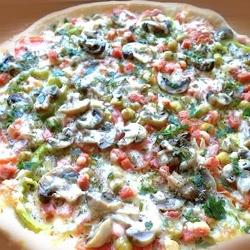 Пикантная пицца с солеными грибами