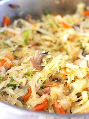 Вкусная овощная солянка с грибами