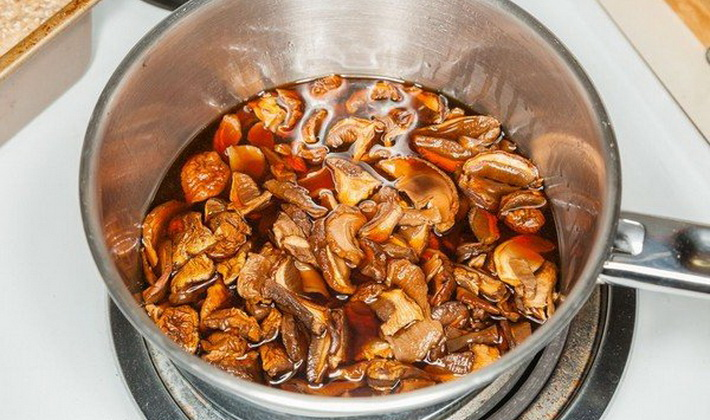 рыжики жареные в сметане с картошкой