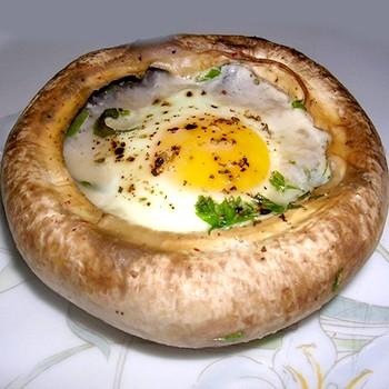 Шампиньоны с яйцами: рецепты сытных блюд