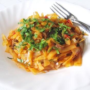 Тушёная капуста с опятами: рецепты полезных блюд