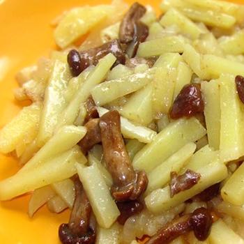 Блюда из картошки с опятами, жаренными на сковороде