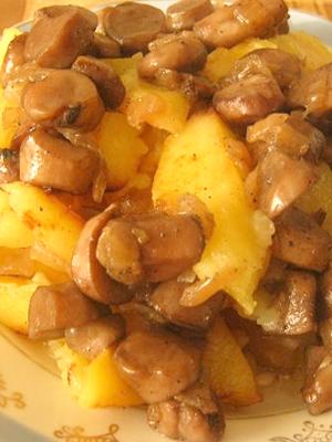 Как приготовить картофель, запеченный с грибами в духовке